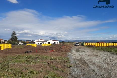 V Břuchotíně se již začalo stavět!